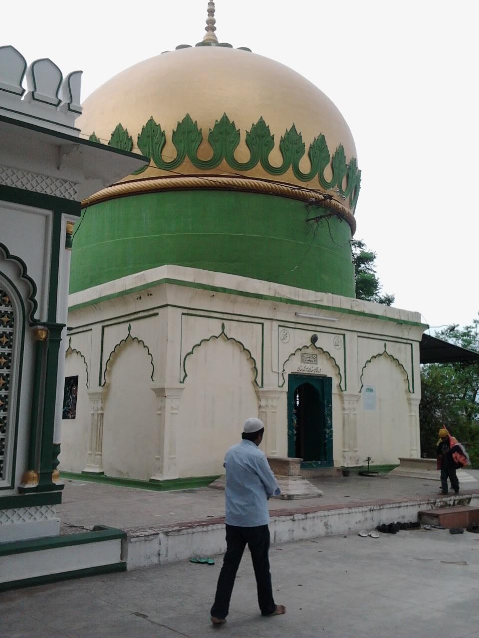 Hazrat Syed shah Peer Mohammad r.a(Tila Masjid)