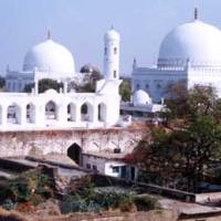 Hazrat Syed Banda Nawaz Gesudaraz Gulbargah r.a