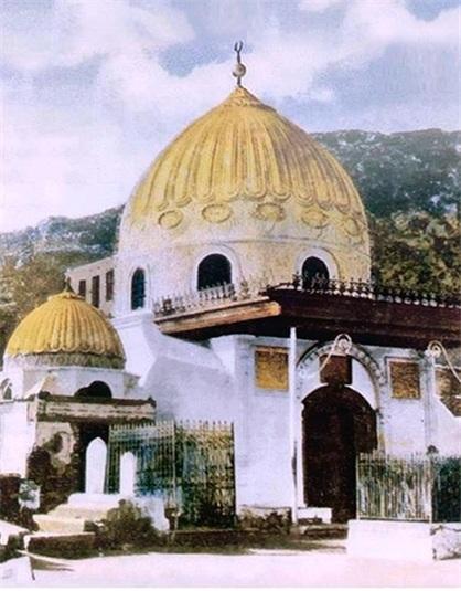 Khadija_tomb_(1)