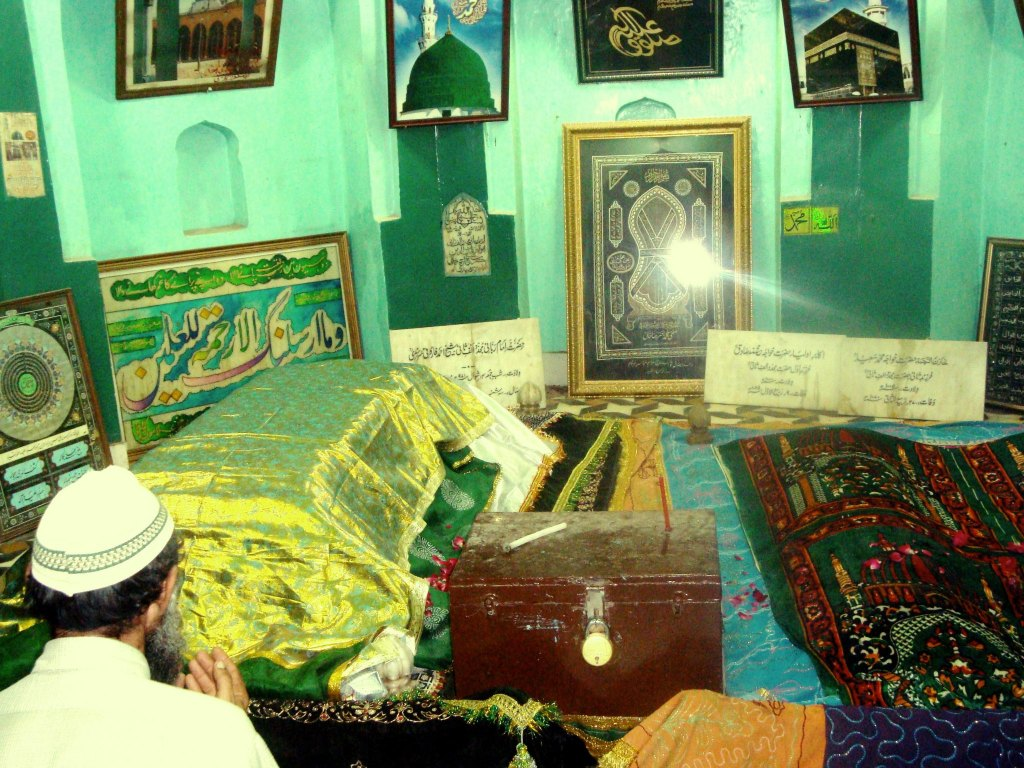 Graves-of-Imam-Rabbani-and-his-two-sons