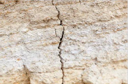 rocks_crack